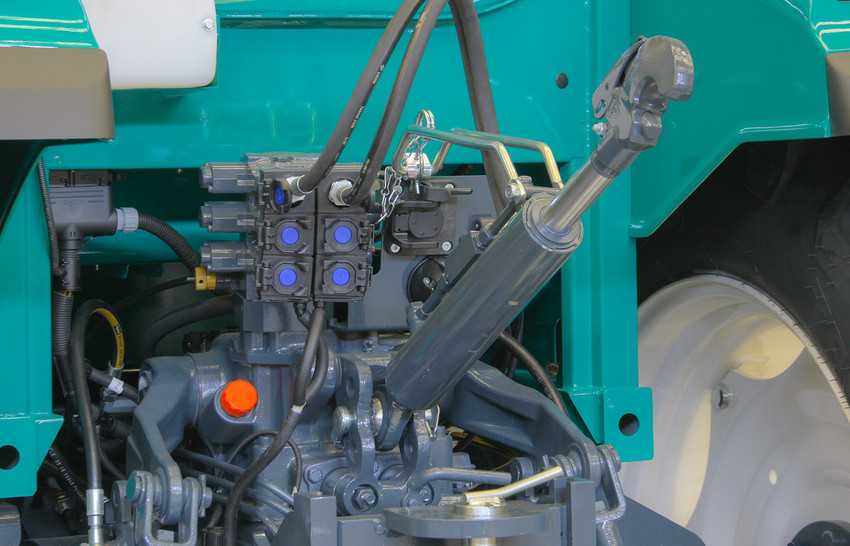 5130 < Tractors < Products < Arbos